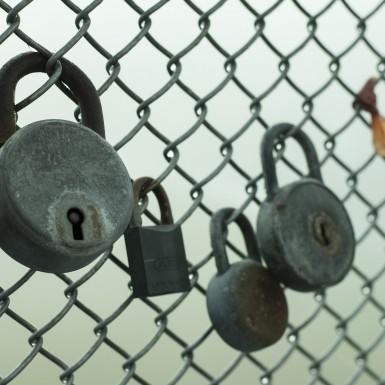 lock-1079327_1920